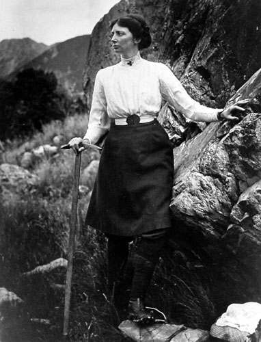 Emmeline Freda du Faur climbing Mount Cook in New Zealand