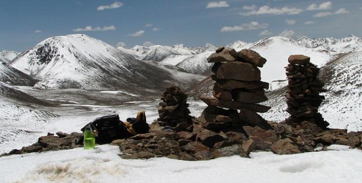 Tibetan Cairns 750x380