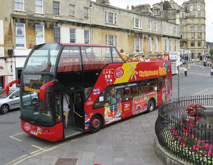 Tour_bus_in_bath_england 750px